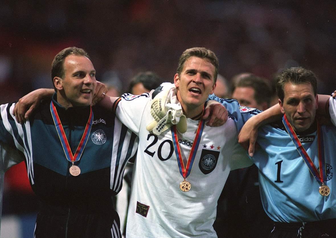 Oliver Reck, Oliver Bierhoff und Andreas Köpke beim EM-Triumph 1996.