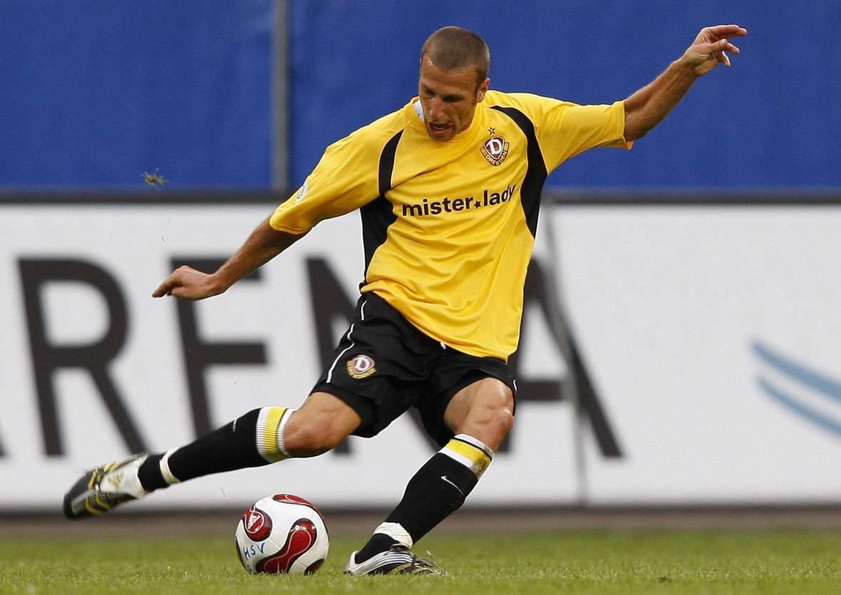 Jens Truckenbrod im Trikot von Dynamo Dresden.