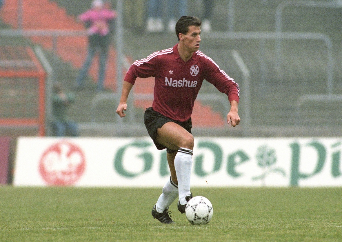 Axel Sundermann im Trikot von Hannover 96.