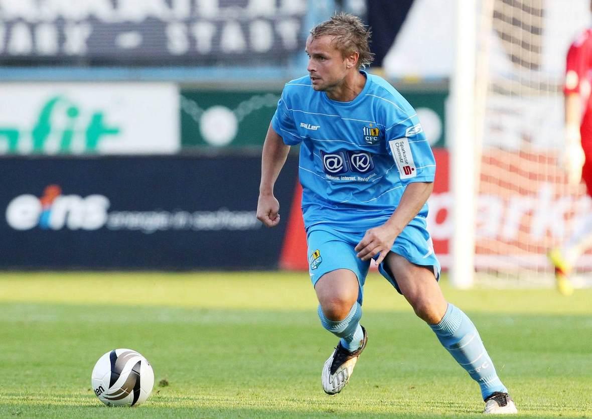 René Trehkopf am Ball für den Chemnitzer FC.