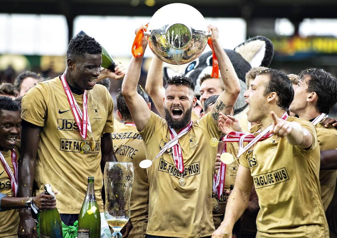 FC Midtjylland stemmt den Pokal