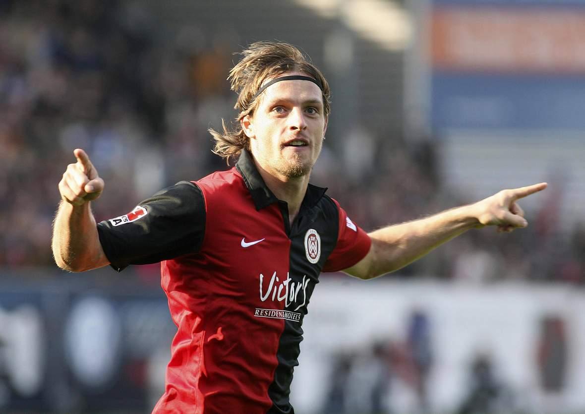 Benjamin Siegert im Trikot des SV Wehen Wiesbaden