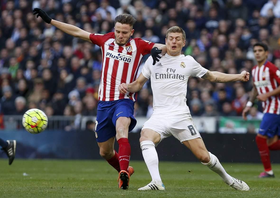 Toni Kroos im Zweikampf mit Saul Niguez. Unser Tipp: Atletico gewinnt gegen Real.